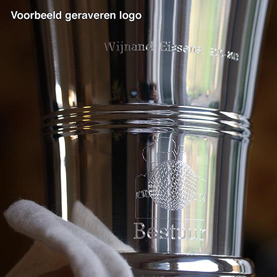 Voorbeeld graveren logo en letters
