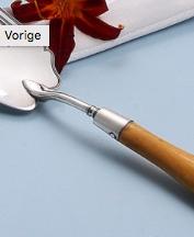 de verbinding tussen het zilver en het handvat met een geklonken zilveren pen