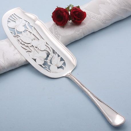 Zilveren visdienschep met uitzaagwerk naar ontwerp van Christa Ehrlich