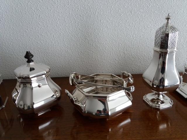 Versailles bolpas zilveren suikerpot met deksel en een suikerschaal met kandijtang