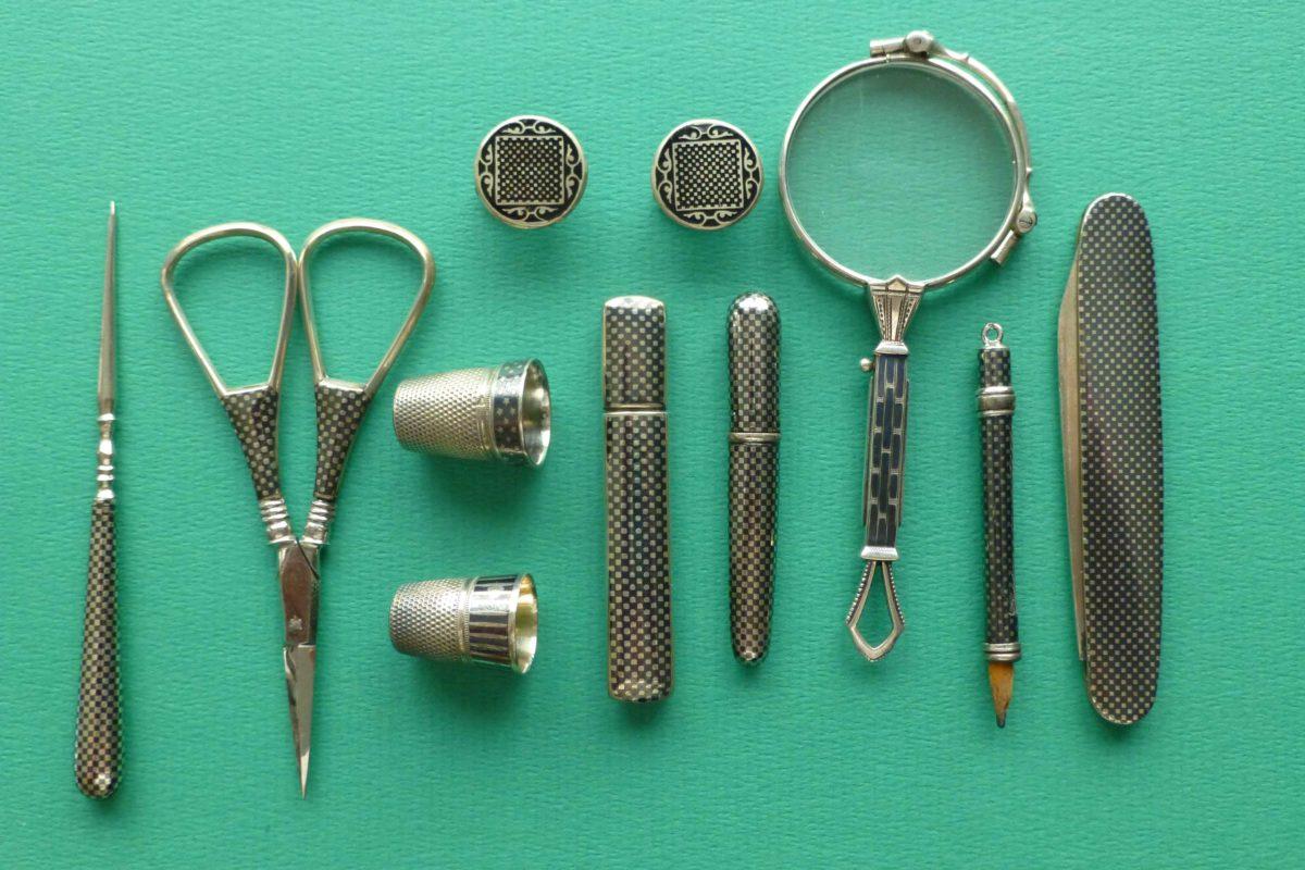 De niello techniek in antiek zilver naaigerei