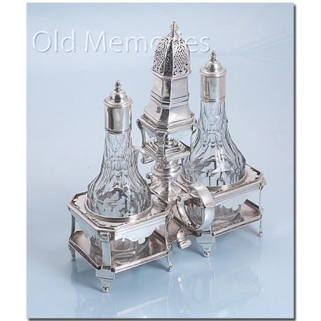 Antiek zilveren olie & azijnstel gemaakt in Den Haag anno 1735.