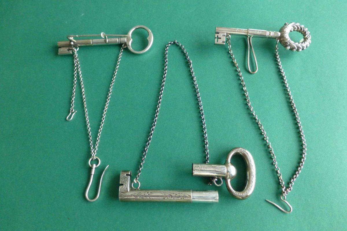 Zilveren naaldenkokers sleutels