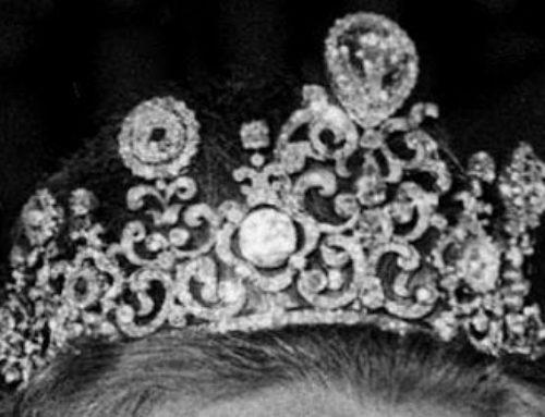 De Stuart diamant, draagt Koningin Maxima hem of niet?