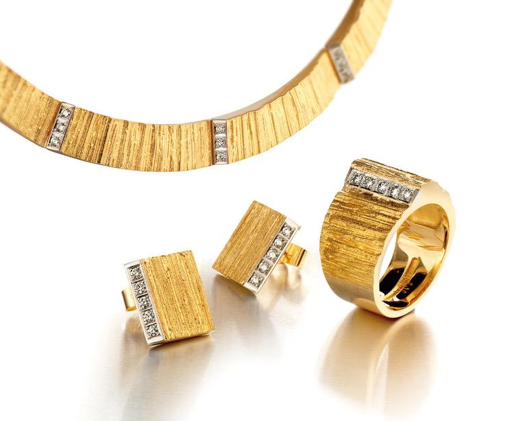 Gouden sieradenset Ciria uit 2005 van Björn Weckström voor Lapponia.