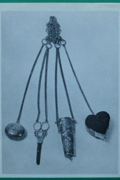 Antieke zilveren naaituig chatelaine bij Zilver.nl