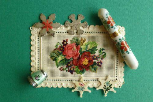 Bloemen op zilver naaigerei een bron van inspiratie