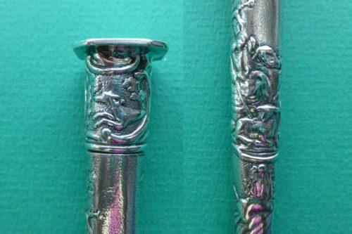 Antieke zilveren naaldenkokers met jachthonden Blog Zilver.nl